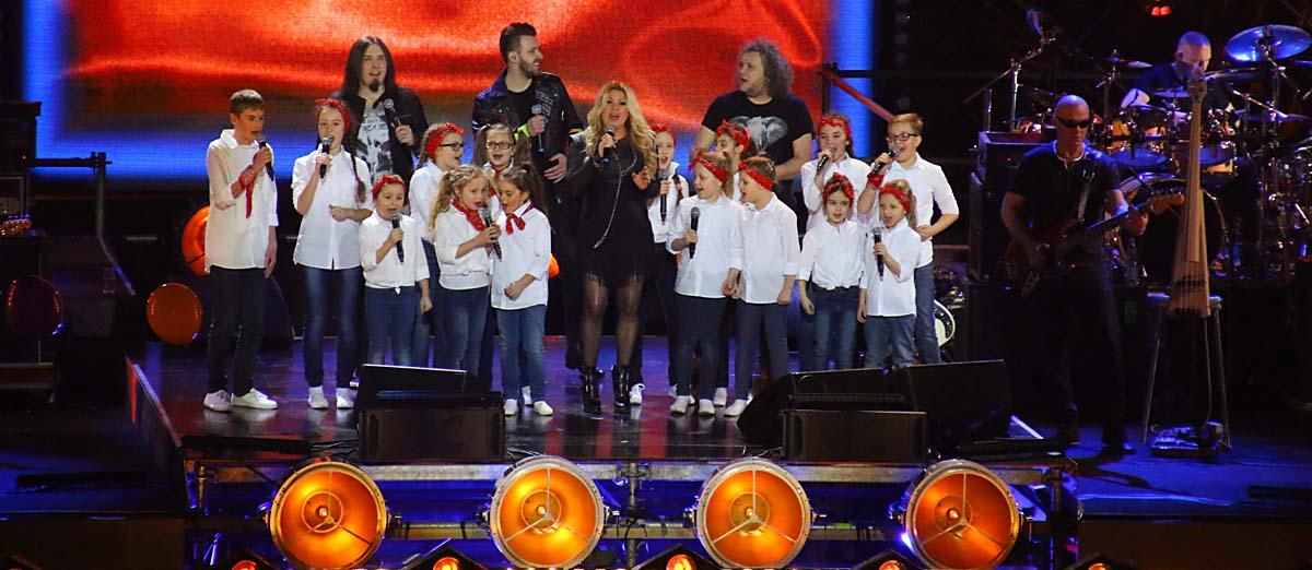 25 Beata + chór dzieciecy