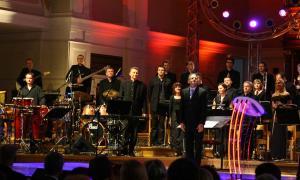 Krzesimir Dębski i orkiestra