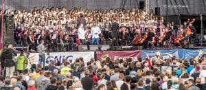 13 Orkiestra i chor pd Adama Sztaby i Marek Balata