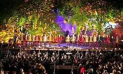 """Rigoletto""   Stary Browar  -   Park Poznań 2002"