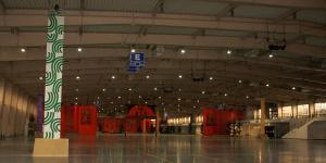 Instalacja aparatury w hali 5 MTP Poznań