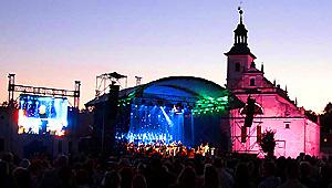 Orkiestra pd. Piotra Rubika w Pustelni  Złotego Lasu
